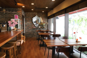 ヒーリングカフェ LUNA CASTLE 店内